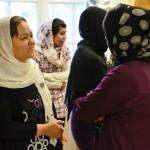 Kvinnorna som varken kunde svenska eller engelska fick hjälp av Hajar som tolkade