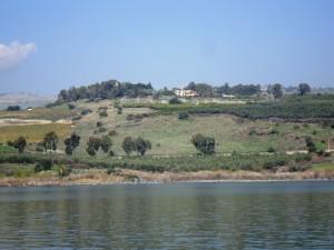 Saligprisningarnas berg från  Genesarets sjö