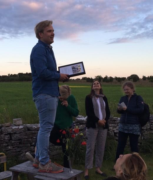 Vid prisutdelningen på Kutens, f v Joakim Thörn och från juryn Beata Mannheimer, Helen Beltram-Linné och Inger Hansson Danared