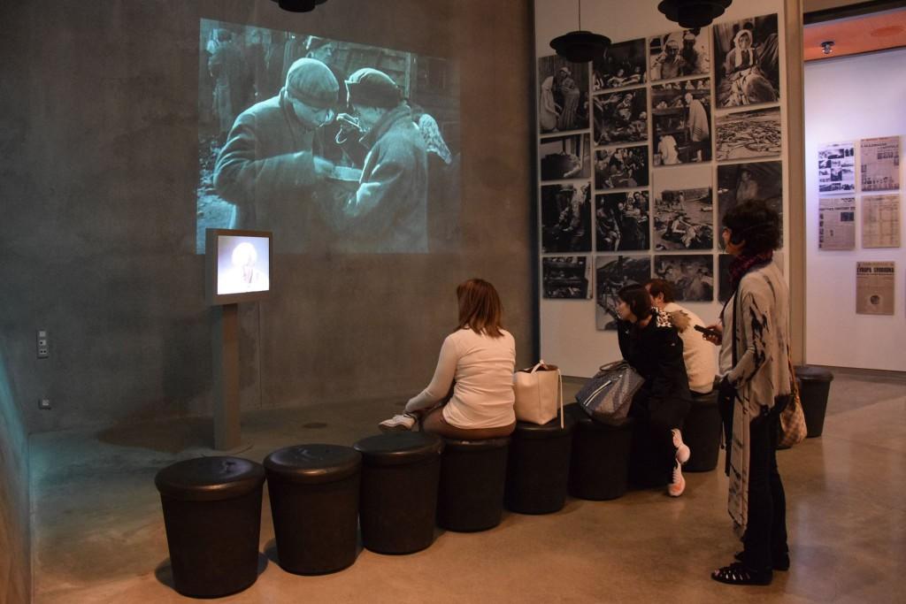 """Yad Vashem, det israeliska centret för forskning och utbildning kring Förintelsen, konstaterar: """"Albanien, det enda europeiska land med en muslimsk majoritet, lyckades när alla andra europeiska nationer misslyckades"""". Där visas just nu utställningen Besa: A Code of Honor. Foto: Yad Vashem: World Holocaust Center, Jerusalem"""