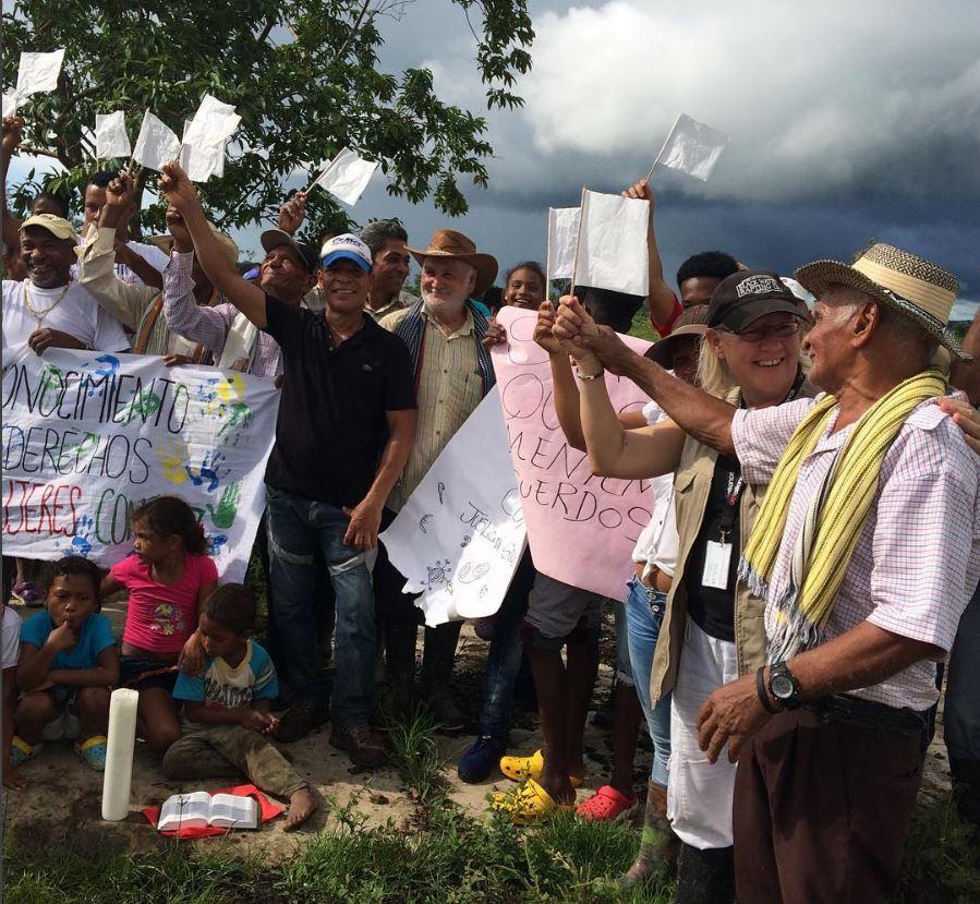 I oktober 2016 besökte medlemmar från Svenska kyrkans internationella råd Cacarica och träffade de byar som nu utsatts för hot. Foto: Eva Ekelund