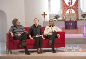 Eva Elfwering, Anna Torbrand och Johanna Berggren hade hand om föreläsningen om kyrka på nya vägar.