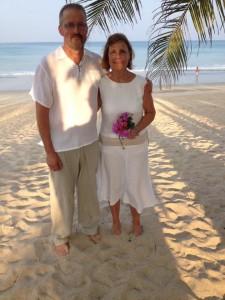 Första gången lena och Tomas lovade varandra evig kärlek var i slutet på 80-talet. Dom förnyade sina löften 2015!