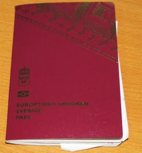 Cillas och mickes pass var beslagtagna