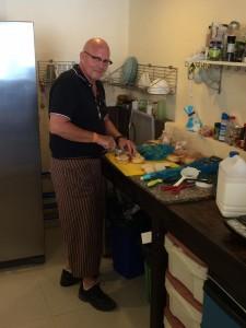 Den glade bagaren i Kammala...pratar helst om Rockenroll.