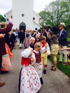 """Klövadals kyrka. """"Bonnbröllop"""" 28 maj 2016. Foto: Privat"""
