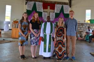 Vi tillsammans med pastor Edward i Rwantege