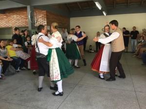 Tyrolerdansuppvisning på min församlingens årsfest i Jaraguà do Sul.