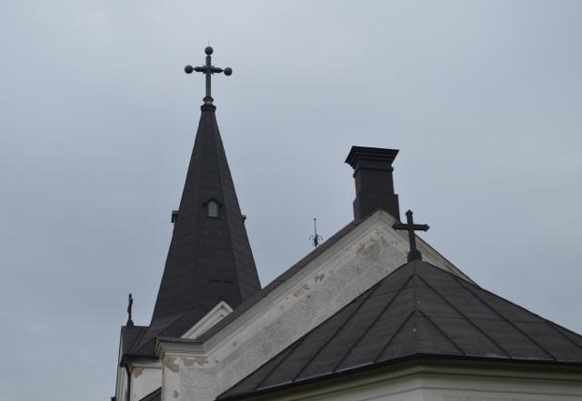 Ekby kyrka i höstrusket!