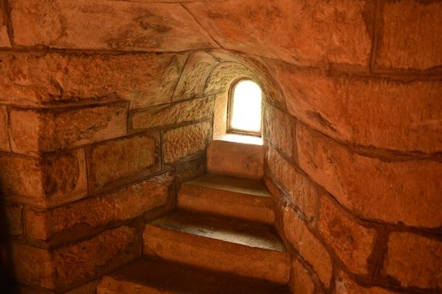 Hagioskop i Husaby kyrka