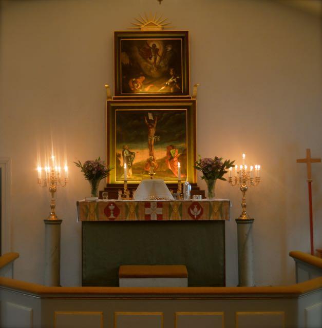 Altaret i Björsäters kyrka.