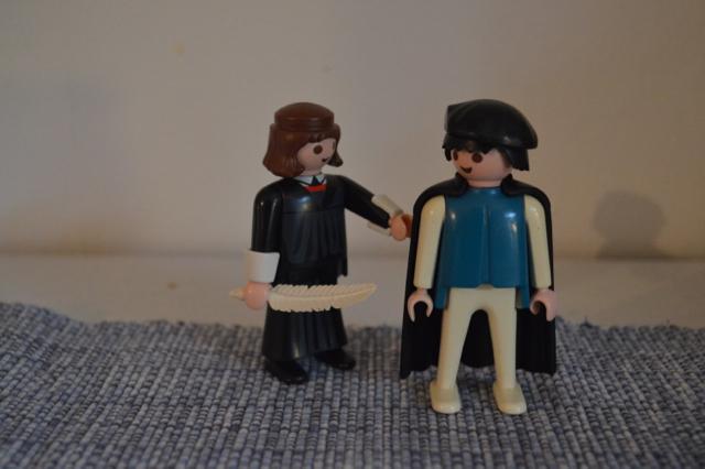 """""""Här, låna mina kläder vet jag!"""""""