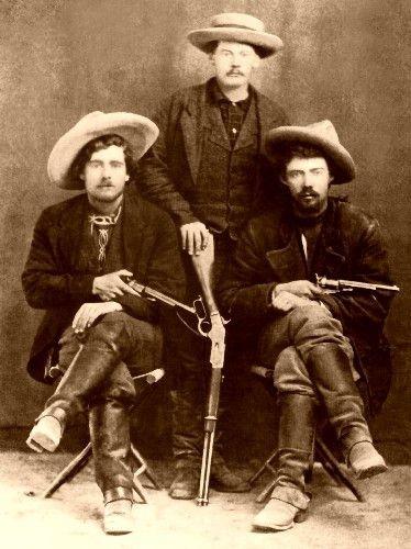 Revolvermän i den gamla västern. Föregångare till James Bond?