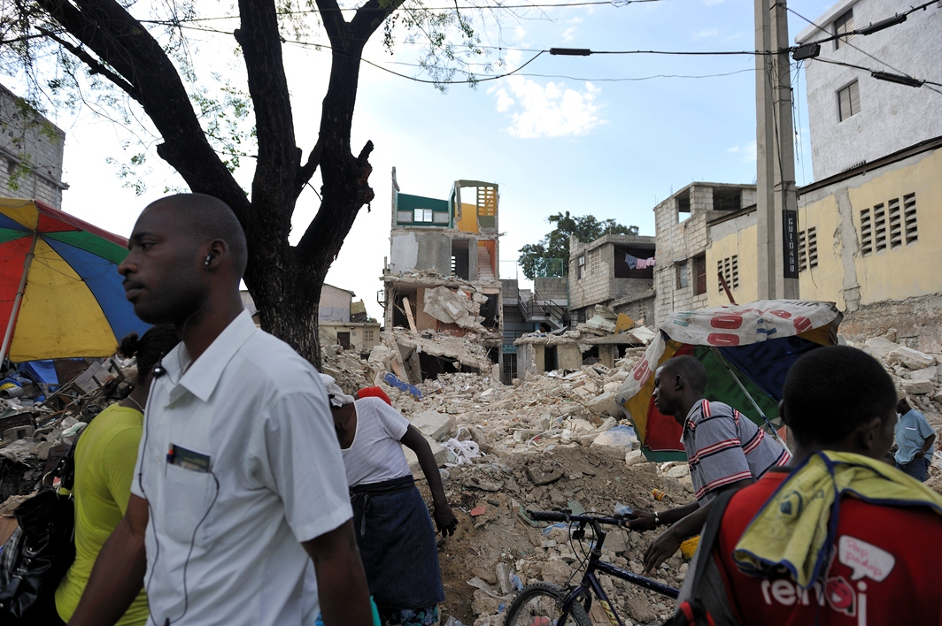 Port-au-Prince några veckor efter jordbävningen 12 januari, 2010. Foto: Magnus Aronson/IKON