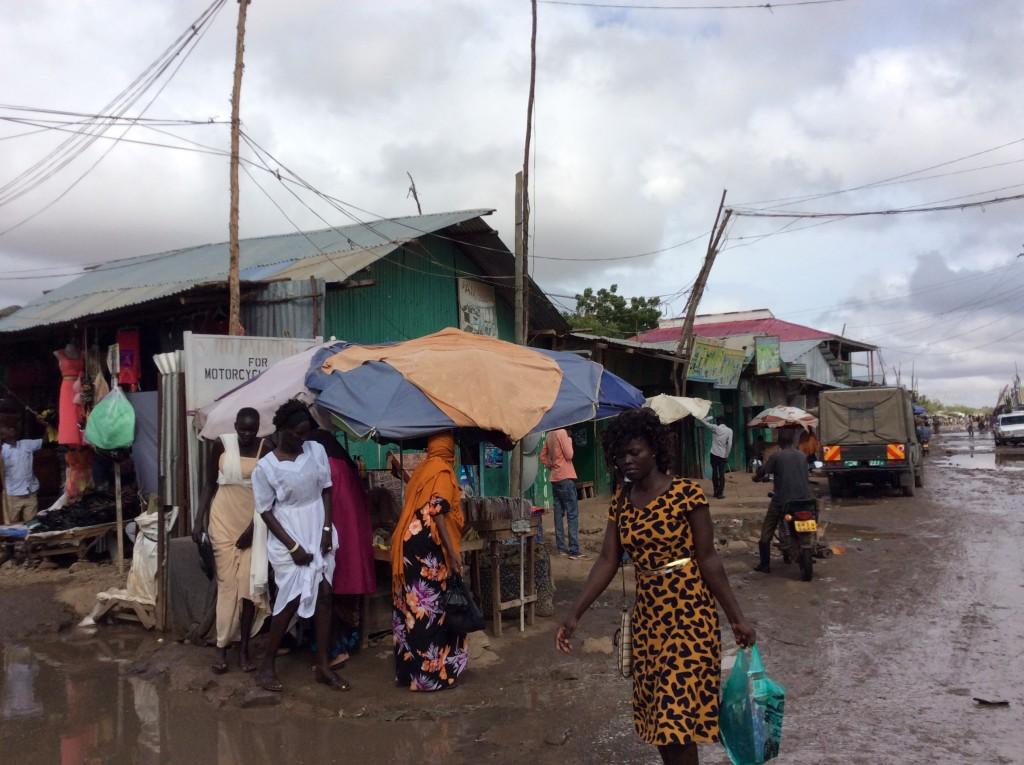 Utmaningarna i flyktinglägret Kakuma i Kenya är enorma. Men det går att skapa lösningar där alla är vinnare, skriver Jonas Löhnn. Foto: Kristtina Ruuti
