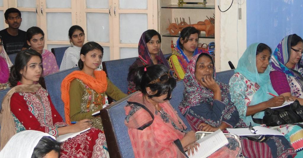 Studenter-vid-det-kristna-teologiska-institutet-ITCF,-Pakistan.