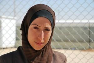Nadia Ibrahim är 27 år och har arbetat som lärare. Nu är hon med och arbetar för att motverka det ökade våldet mot kvinnor och barn i lägret. Foto: Ulrika Lagerlöf/IKON
