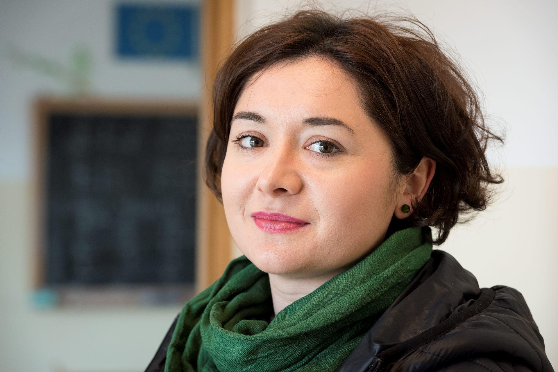 Cornelia visste inte att hon ville bli lärare för än hon besökte de bosättningar där myndigheterna har placerat över 1000 romer. Foto:Gustaf Hellsing/IKON